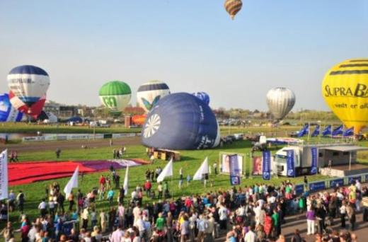 evenement ballonvaarten en helikoptervluchten